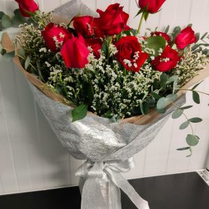 Dreamy Love – Red Roses in Wrapping (FB01)